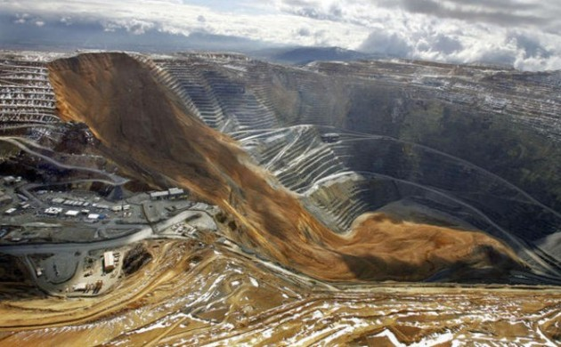Quarry collapse at the Bingham Copper Mine, Utah